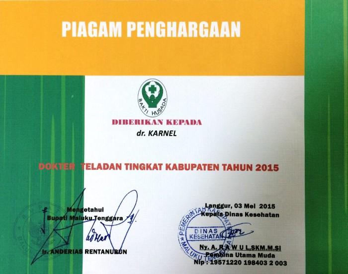 Penghargaan Dokter Teladan Kabupaten Maluku Tenggara 2015 untuk dr. Karnel Singh