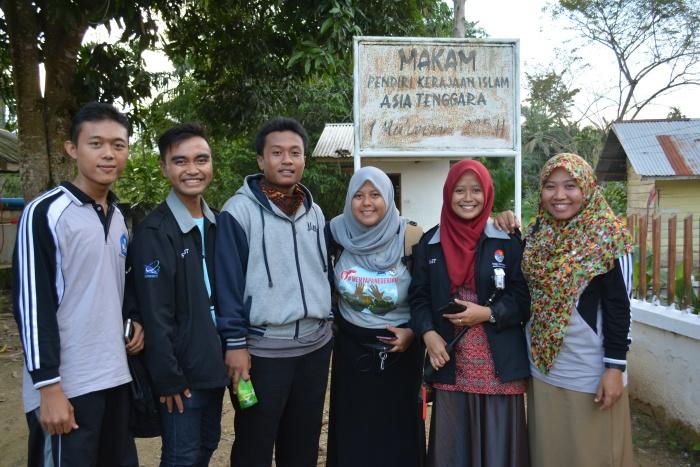 Juni bersama rekan-rekan guru (SM3T, GGD) di Aceh Timur